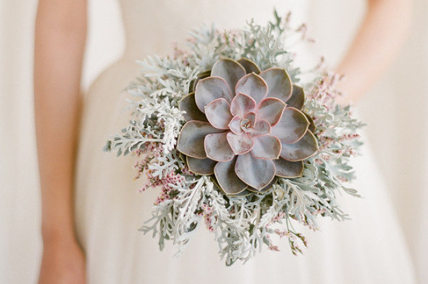 23-wedding-succulents-that-will-make-you-forget-a-2-15507-1458309964-0_dblbig.jpg