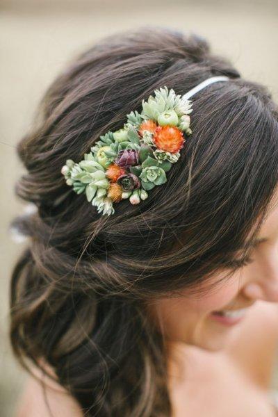 715fcbf19edcb66bded697ef892bb744--succulent-wedding-hair-succulent-headpiece.jpg