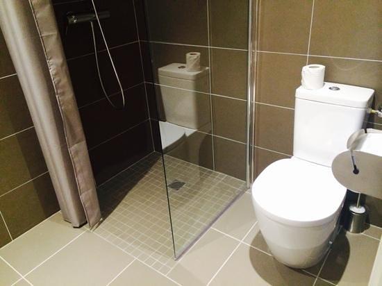 banyodaki_kotu_koku_nasil_giderilir_Banyo_kotu_koku_giderici_gider_acici.jpg