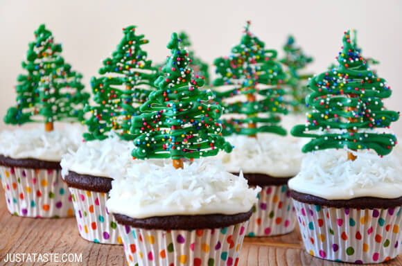 chocolate-christmas-cupcakes-recipe.jpg