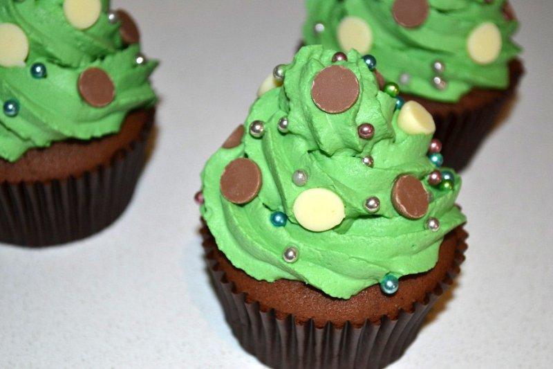 christmas-tree-chocolate-cupcake.jpg