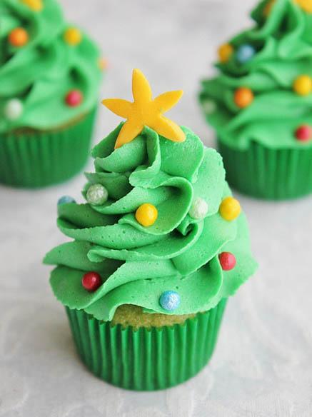 Cupcake-Christmas-Tree-05.jpg