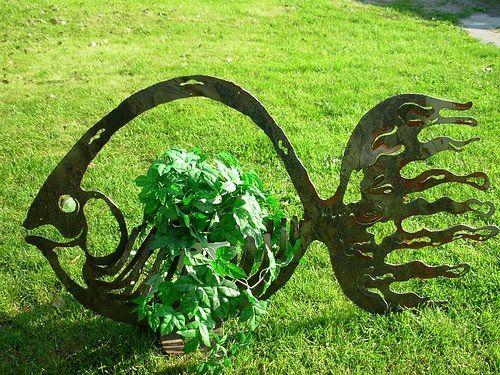d4d93dbc358f2df92e04de85079a851f--metal-garden-sculptures-metal-art-sculpture.jpg