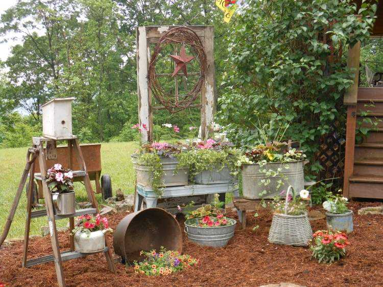 dcoration-jardin-objets-rcup-pots-rcipients-enciens.jpg