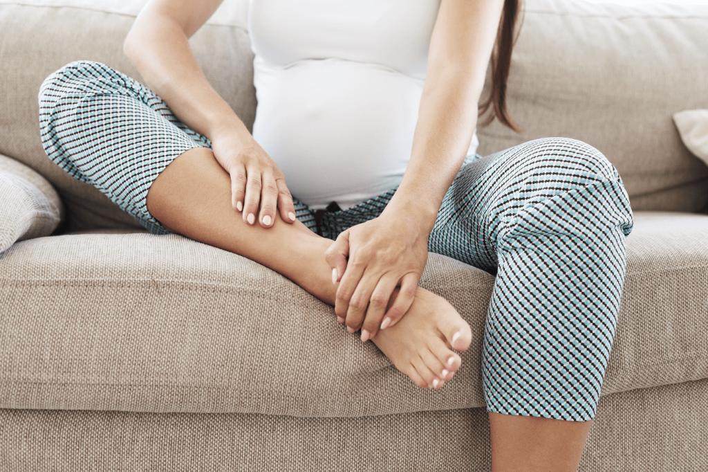 hamilelikte_ayak_kasintisi_nedenleri_tedavisi.png