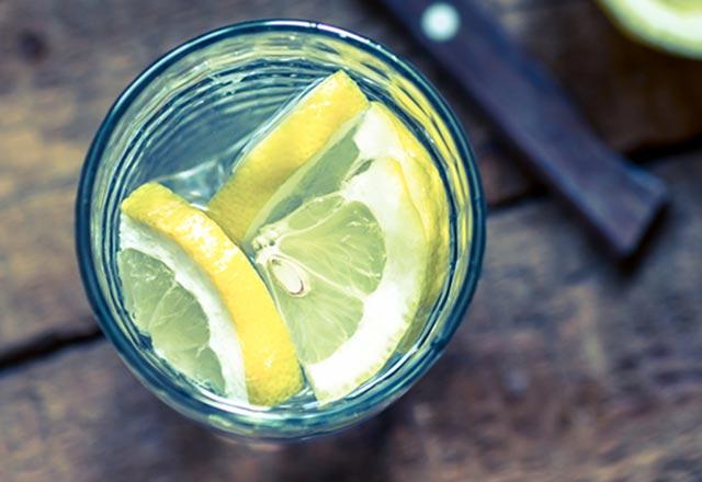 her-sabah-limon-suyu-icti-olanlara-inanamadi-10815124.Jpeg