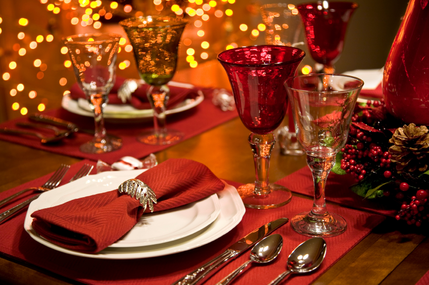 Holiday-Table-Setting_2CEF34EA-ED63-4528-B01C6D02836F4849_edffb73c-f213-4dc0-b348547e405684e7.jpg