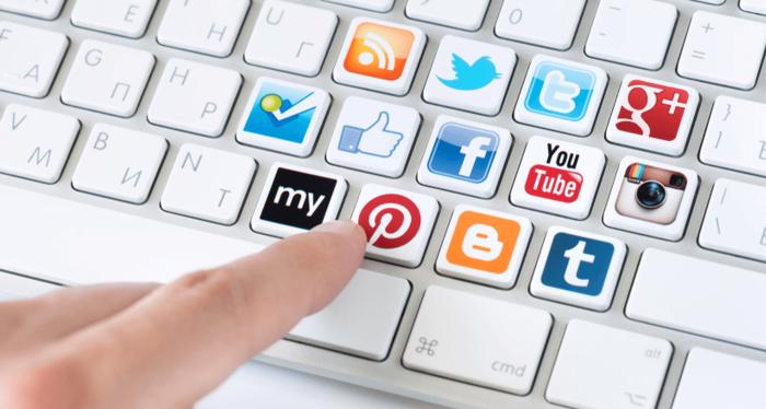 iliskilerini-sosyal-medyada-yasayan-ciftlerin-halleri-1.png