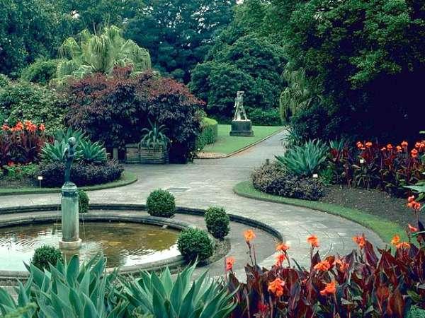 Kraliyet Botanik Bahçesi Sidney.jpg