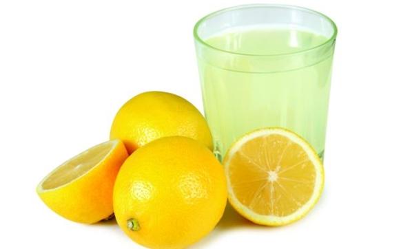 limon_suyu_tirnak_beyazlatma.jpg