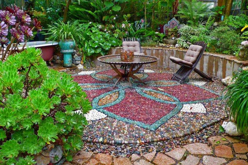 mosaic-art-sititng-area.jpg