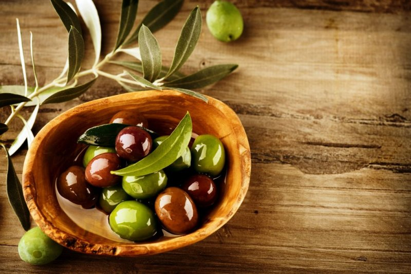Olives-and-Olive-Oil-1024x683.jpg