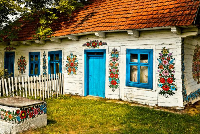 Polonyanın-En-Güzel-Köyü-İle-Tanışın-Zalipie-Köyü.png