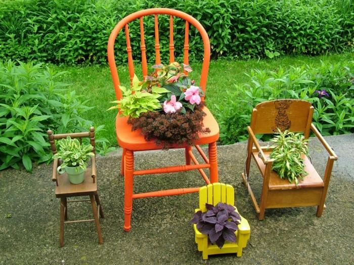 pots-fleurs-objets-rC3A9cupC3A9ration-chaises-repeintes-porte-pots.jpeg