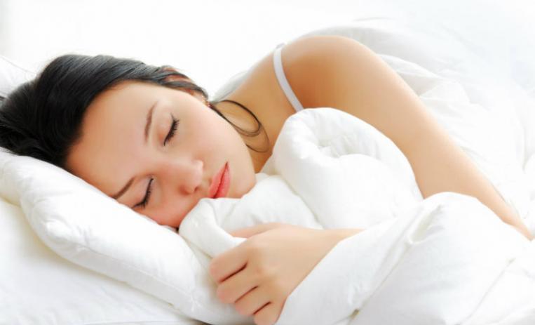 sıcak-havalarda-uyuyamayanlara-oneriler-1.jpg