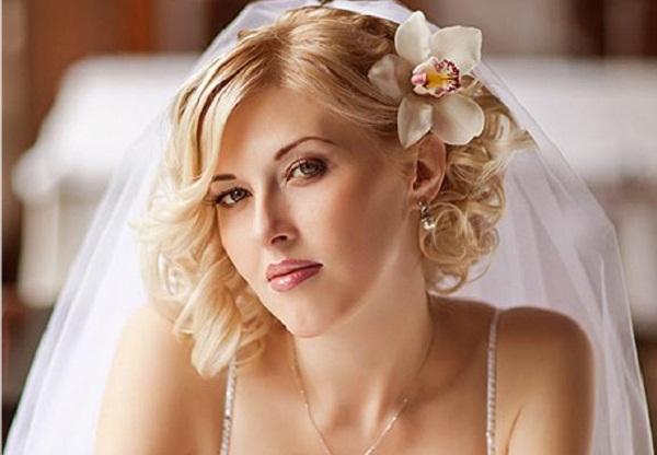 simple-wedding-hairstyles-for-shoulder-length-hair-65078.jpg