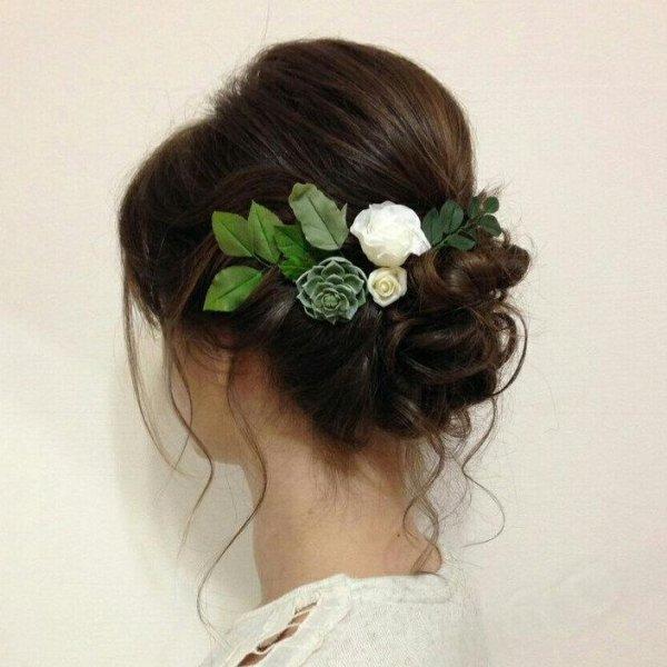succulent-pins-wedding-scculent-hair-accessory.jpg