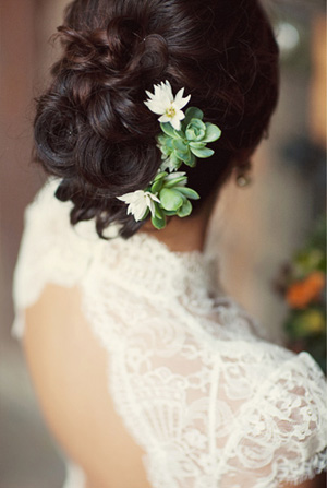 Succulent-Wedding-Hair-Ideas.jpg