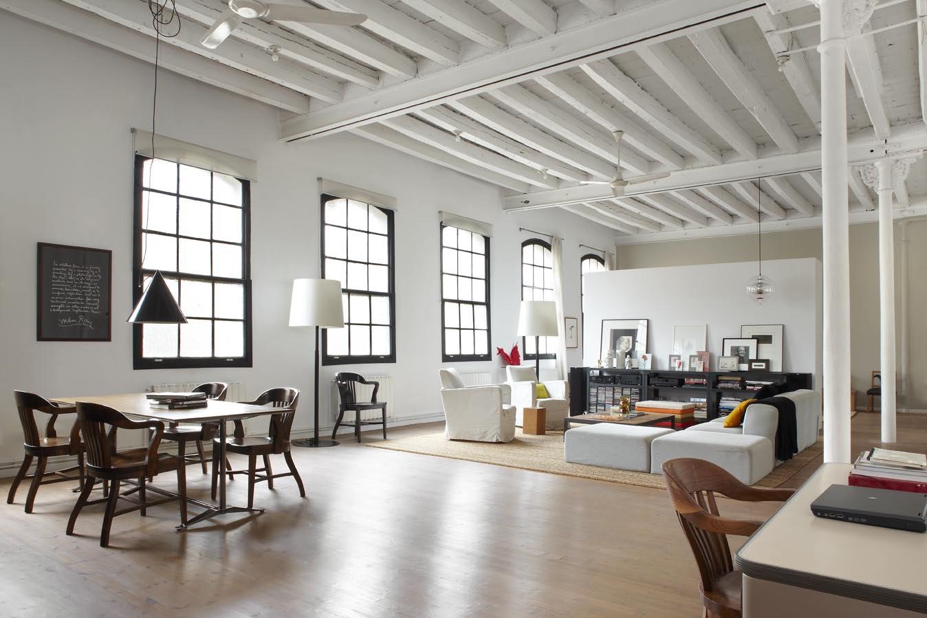 Un-loft-dans-un-ancien-atelier-de-textiles-FrenchyFancy-2.jpg
