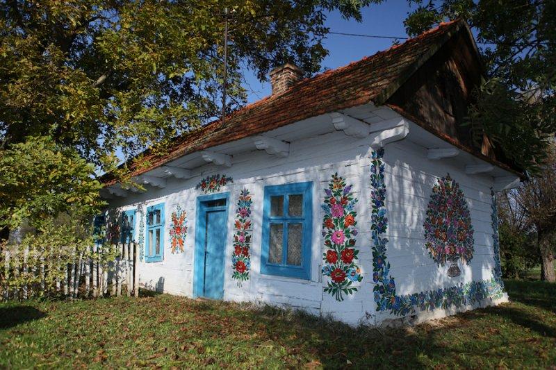 Zalipie-Poland-Painted-Houses-10.jpg