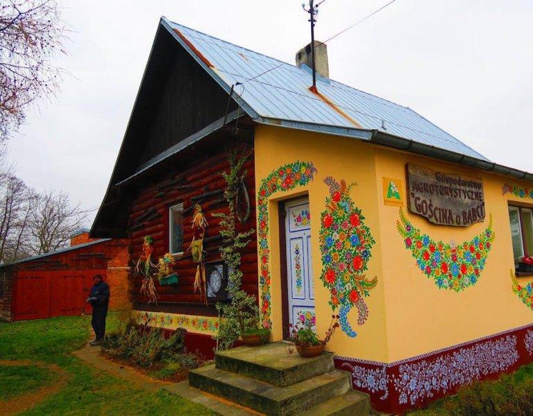 Zalipie-Poland-Painted-Houses-2.jpg