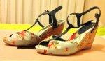 $çiçekli sandalet.jpg