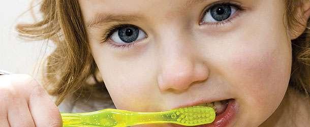 Çocuklarımızı çapraşık dişlerden nasıl koruyabiliriz Erken teşhis ve tedavi önemli midir