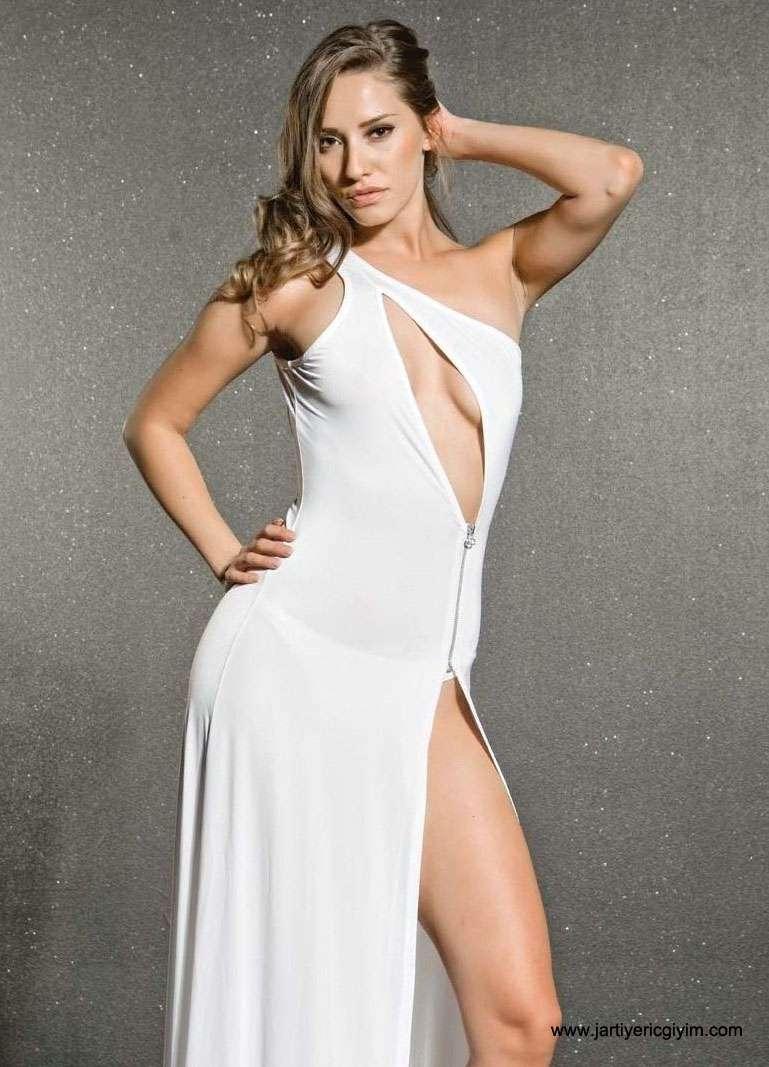 Pictures gece elbise modelleri 2013 uzun dekolteli gece elbise modeli - Facebook