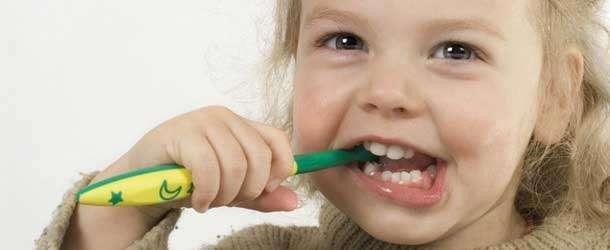 Çocuklarda diş bakımı nasıl yapılmalı?