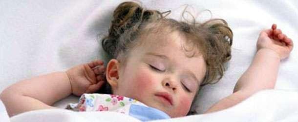 Bebekler Günde Ne Kadar Uyumalı?