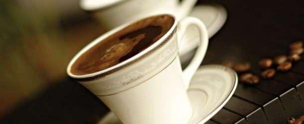 Resimli Bol Köpüklü Türk Kahvesi Yapımı