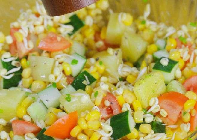 Cobb Salatası Nasıl Yapılır Resimli Tarif 47