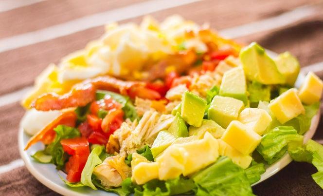 Cobb Salatası Nasıl Yapılır Resimli Tarif 4