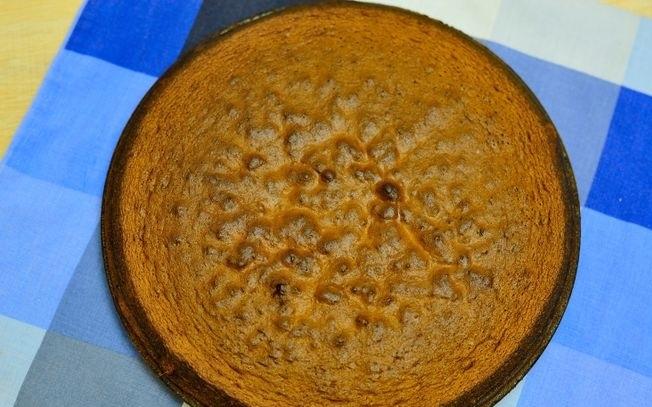 glutensiz_cikolatali_kek_resimli_tarif (10)