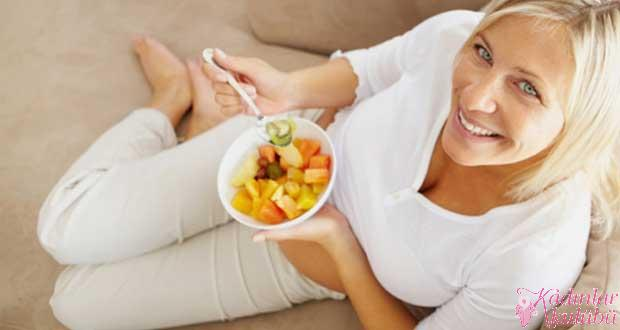 Kadınlarda yaşa göre beslenme