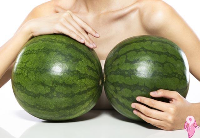 Göğüs nasıl büyük gösterilir?