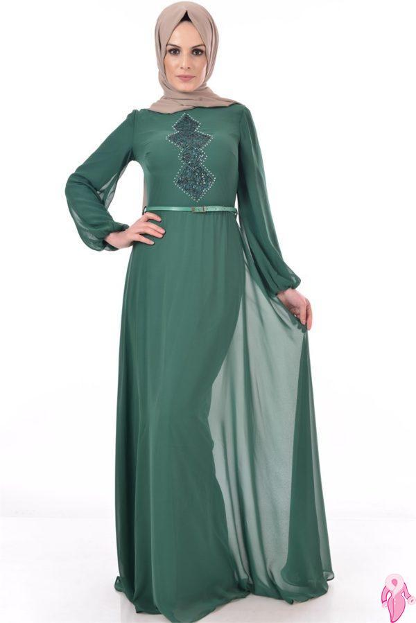f8bdf6d26277c Siz de bu yaz önemli davetlere ve törenlere katılacaksanız şık bir tesettür  abiye elbise almak isteyebilirsiniz. Tesettür abiye giyim modelleri ...