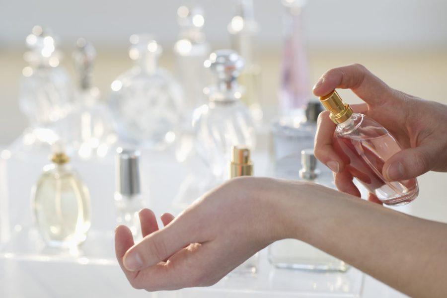 en_iyi_kadin_parfumleri_bayan