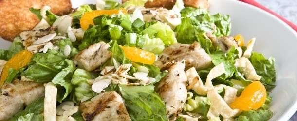 Diyet Tavuklu Salata Nasıl Yapılır? Resimli Tarif